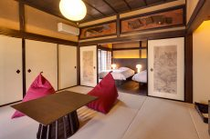 竹田城城下町ホテルENの客室「桜」